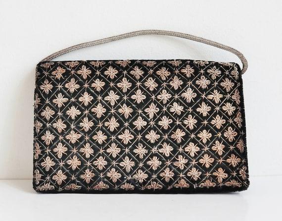 Black 50s Vtg. Velvet Bag With Gold Thread // Top