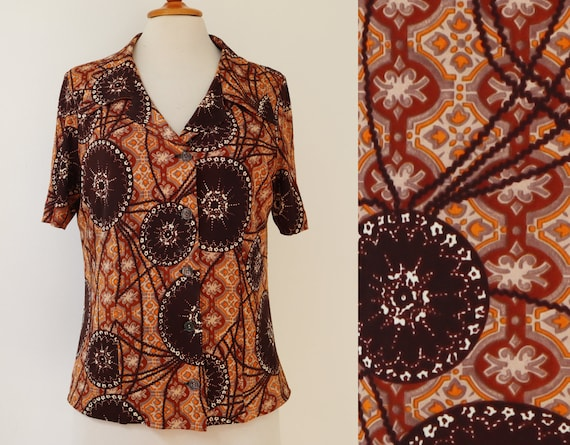 70s Vtg. Ladies Blouse With Abstract Pattern // Br