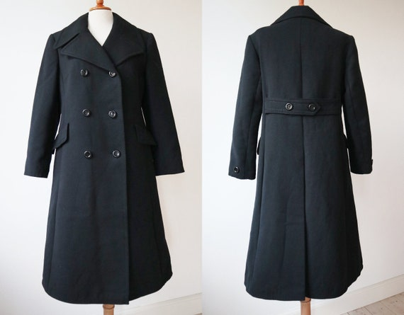 Black 70s Vintage Coat With Big Collar // Size M