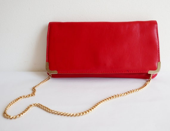 Red 80s Vintage Bag // Golden Chain Handle And Edg