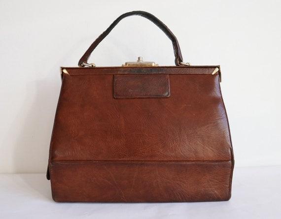 Brown 60s Vtg. Leather Top Handle Bag // Création