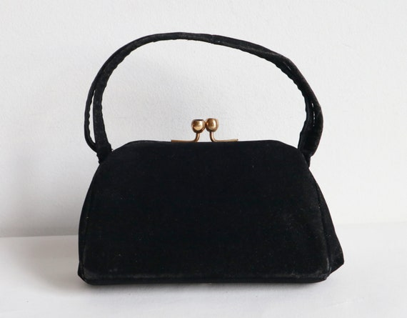 Black 50s Vtg. Velvet Bag With Golden Closure// Di