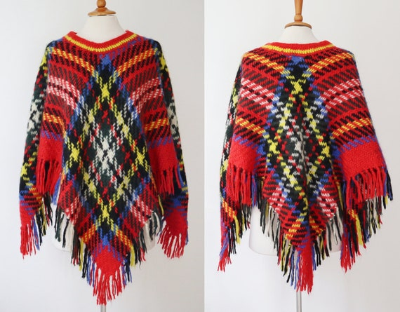 Checkered 70s Vintage Poncho With Fringes // Croch