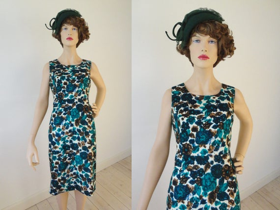 White Fitted 90s Goes 50s 60s Vintage Dress With F