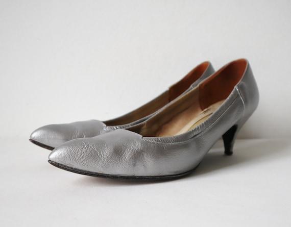 50s Vtg. Silver Leather Shoes // Original Video Sh