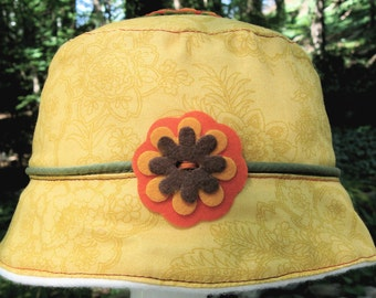 Flower bucket hat, Fleece Baby Hat, yellow bucket hat, flower appliqué, baby hat, infant hat, baby gift, baby girl