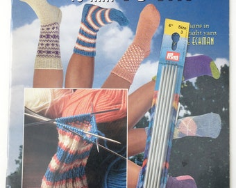 Learn to Knit Socks Pattern Book with Set of Size 3 Double Pointed Needles