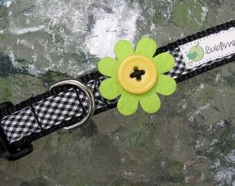 Felt Flower dog collar, Gingham dog collar, Small Dog Collar, cute dog collar, dog collar for girls, female dog collar, button dog collar