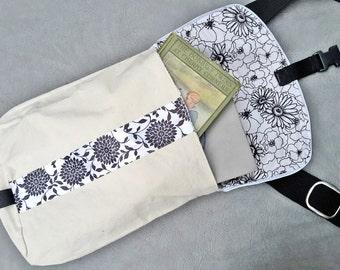 Woman's Small Urban Messenger Bag