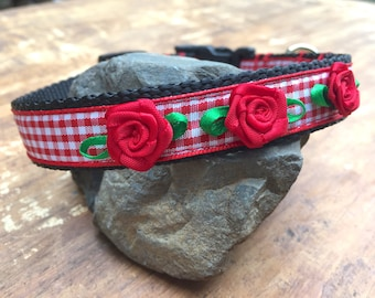 Red Extra Small Dog Collar with roses, Pretty Red Roses Dog collar for Female Dog