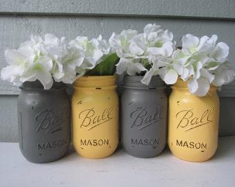 Boule peinte et en détresse Mason pots - gris et jaune pâle-Set de 4 fleurs Vases, mariage rustique, pièces maîtresses
