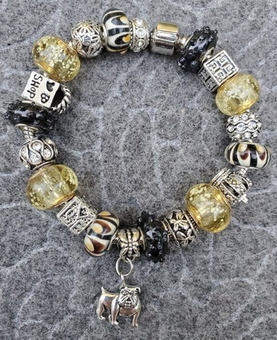 Vanderbilt University European Charm Bracelet With Black And Gold Beads