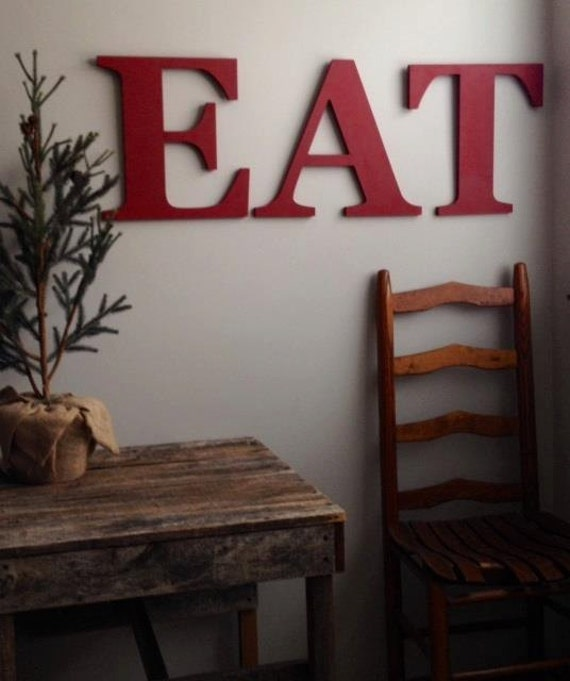 Farmhouse Decor | EAT letters painted 14