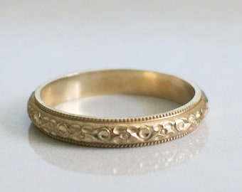 14K Yellow Gold Milgrain and Floral Engraved Ring Wedding Band