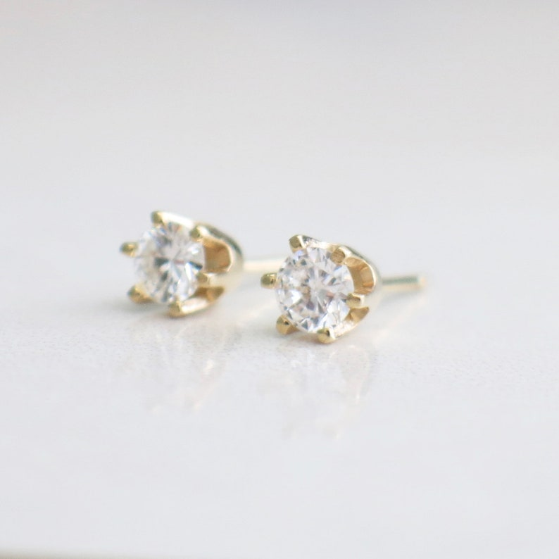f803fb9d32fe3 14K Gold .46 CTW Diamond Stud Earrings