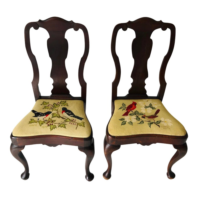 Antique Set Of 2 Queen Anne Chairs With Needlepoint Seats 150 Etsy