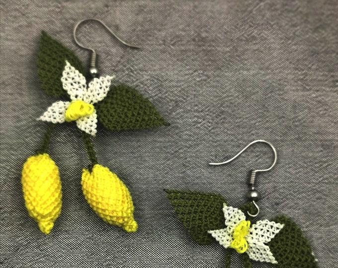 Needle lace lomon earrings