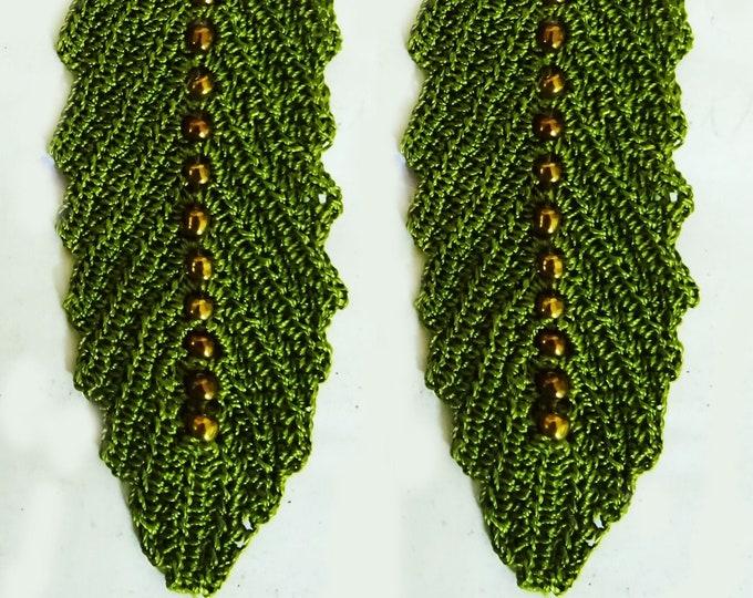 Beaded leaf motifs
