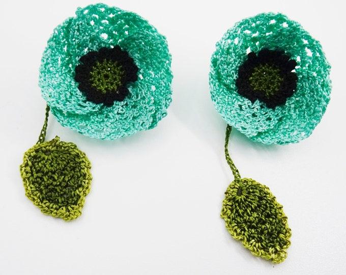 Silk thread crochetpoppy motives
