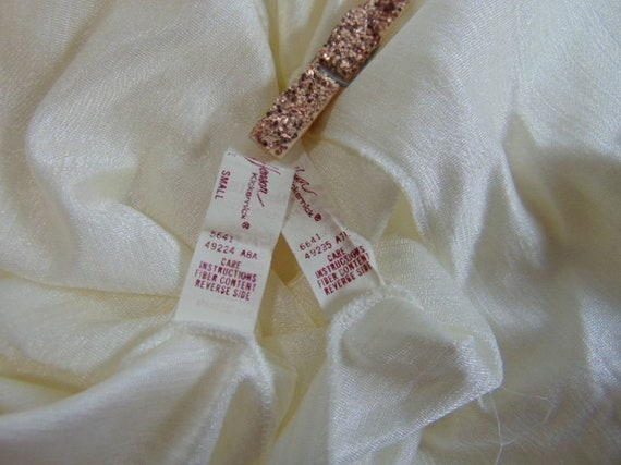 Vintage Henson Kickernick Cream Set Gown Robe S L… - image 9