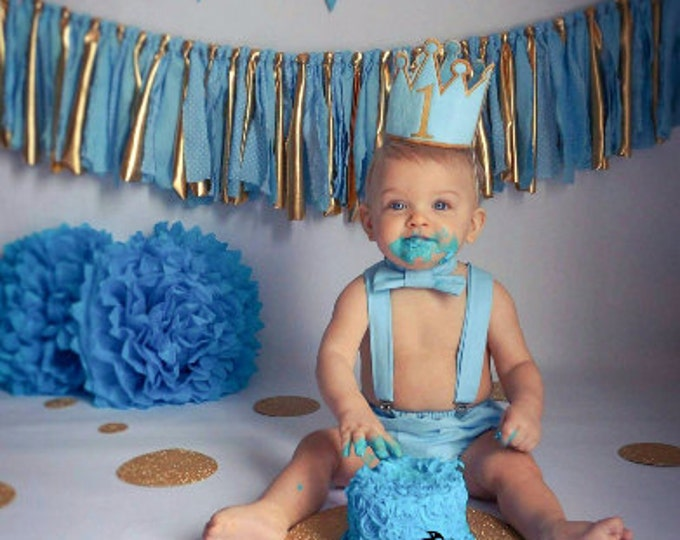 Featured listing image: Gold and light blue cake smash set