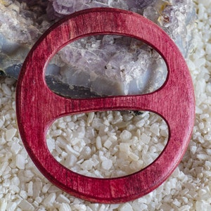 very shapely and stable ideal for light and heavier wipes and scarves Wooden shellring