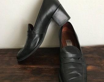 8ea245857eb Vintage 90s Etienne Aigner black leather block heel loafers size US 8