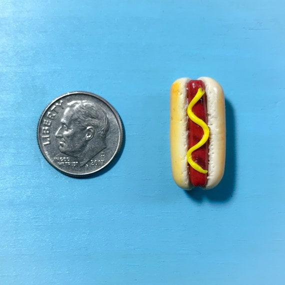 Mini Hot Dog Magnet