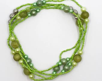 """53"""" continuous loop greens necklace"""