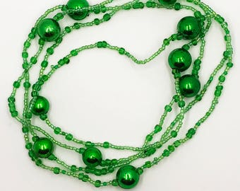 """52"""" continuous loop greens necklace"""
