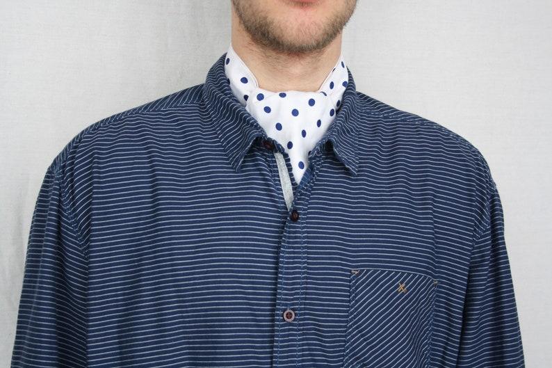 Polka dot elegant ascot tie Vintage men/'s white and blue cravat