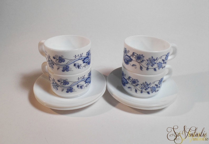 Plafonniere Blue : 4 sets arcopal demitasse cups and saucers blue onion etsy