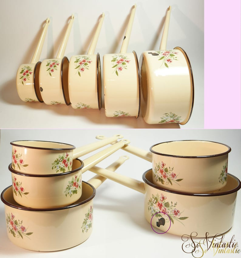 Brown trimmed saute pan Floral pattern country cooking pots Shabby chic hanging pans 5x Matching cream enamel sauce pans Five pan set