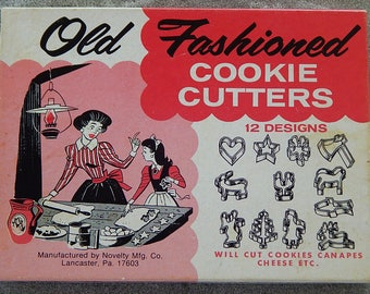 Vintage Old Fashioned Cookie Cutters - Original Box - Tin Cookie Cutters - 12 Designs - Vintage Home Accessories