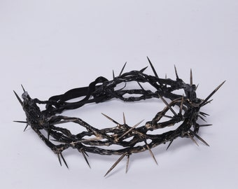 Сrown of thorns . Wreath with thorns - tiara of torments - wreath with spikes -  gothic headpiece - Dornenkrone