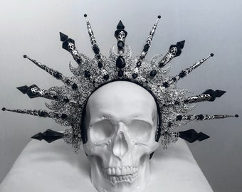 Halo of Hekate - Gothic spiked crown - Silver and black fantasy headpiece - Gothic wedding headdress