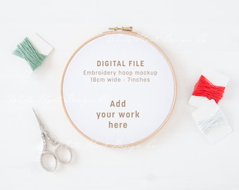 Embroidery hoop mockup - Christmas colours - PSD Smart Object + Png + Jpeg - Promote your art online - Instant download - Craft mockup
