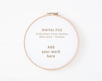 Embroidery hoop minimal mockup - PSD Smart Object + Png + Jpeg - Promote your art online - Instant download - Craft mockup