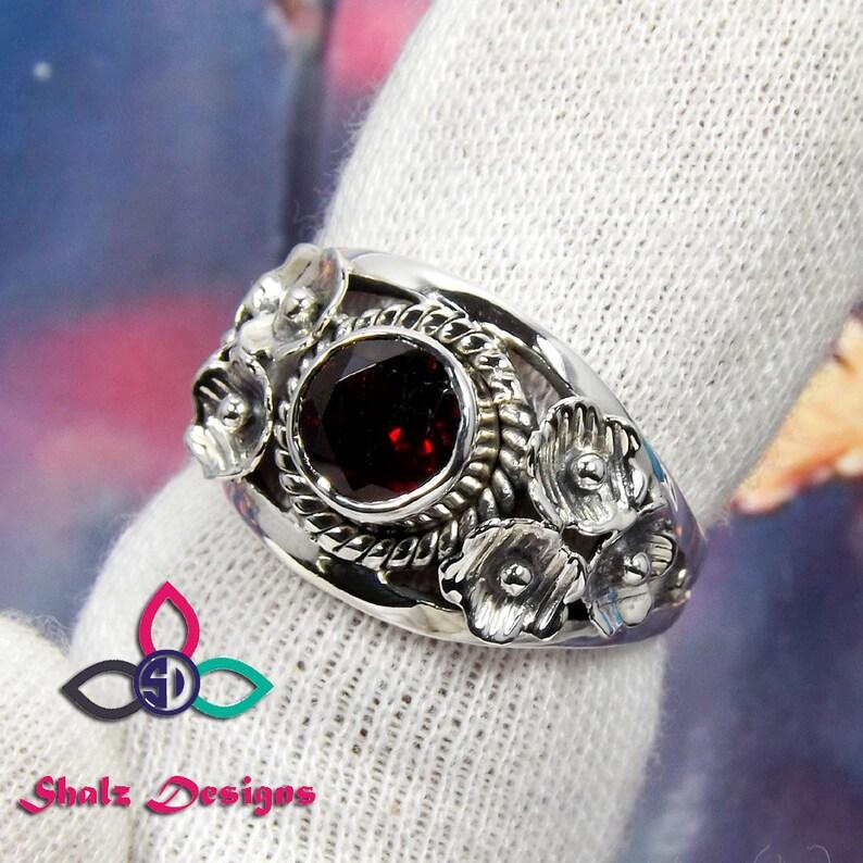 Natürliche Granat Ring, Januar Birthstone Ring, Leben Designer Ring, kleine Ring, Edelstein Silber Ring, Freundschaft Tag Geschenk Idee, Geschenk für