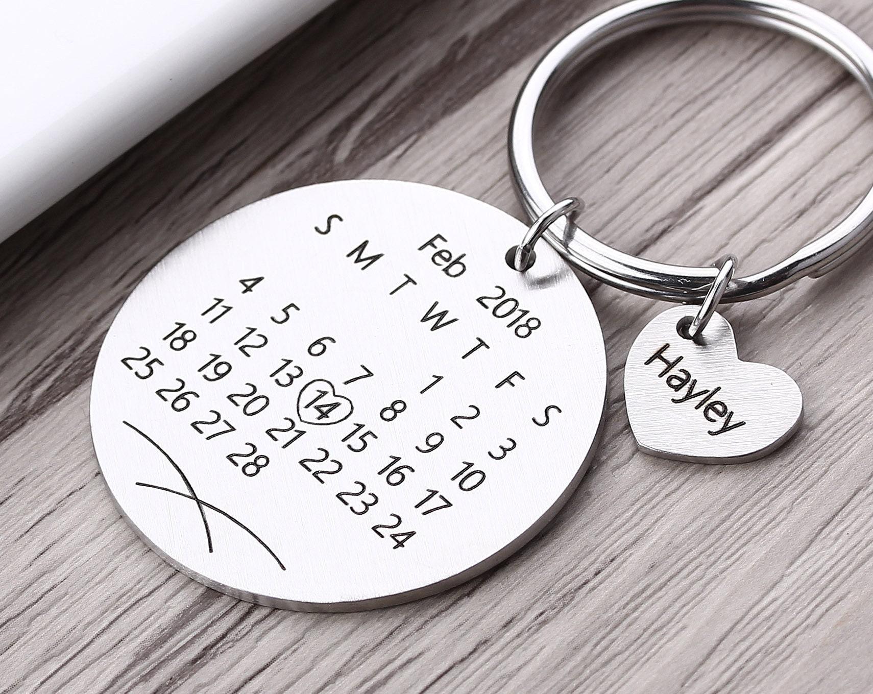 Portachiavi rotondo con calendario personalizzato