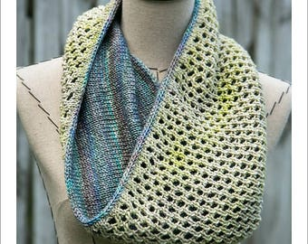 COWL KNITTING PATTERN - Latticework