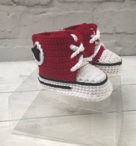 Baby converse shoes aged 0-6 months red