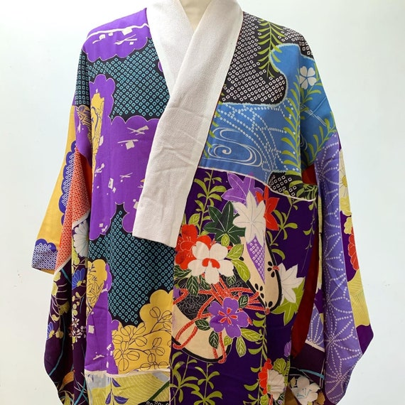 Circa 1920-30s Silk Juban Kimono made from Textile Pattern Sample Fabric