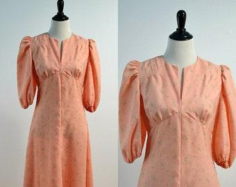 70s Puff Sleeve Maxi Dress / Vintage 1970s Pink Floral Dress / Empire Waist Dress / Elastic 3/4 Sleeve / Medium M / Ankle Length Dress