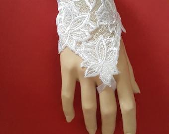 White Wedding Gloves, Lace Gloves, Bridal Fingerless Gloves, Wedding Mittens