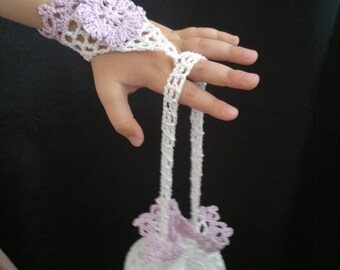 Crochet Flower Girl Mittens, Crochet Mittens , Lilac and White, 100% Cotton.