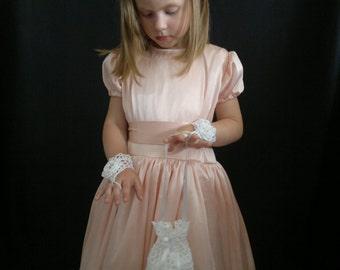 Crochet Flower Girl Mittens, Crochet Mittens, White, 100% Cotton.