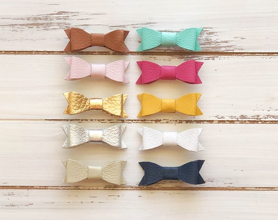 Small baby leather bow clips, baby girl hair bows choice of color, caramel, light pink, gold, silver, ivory, mint, hot pink, yellow, white