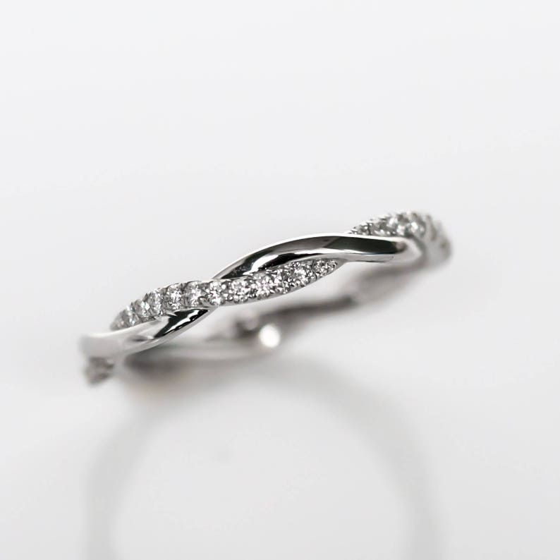 Infinity Wedding Band.Ladies Infinity Eternity Wedding Band With Single Tight Loop Diamonds Eternity Band Eternity Wedding Band Infinity Wedding Band