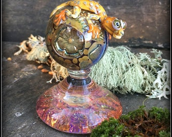 Happy Yellow Gecko or Lizard on Fixed Base Marble - Lampwork Borosilicate Art Glass by Shawn Tucker - Oregon Made Functional Glass OMFG